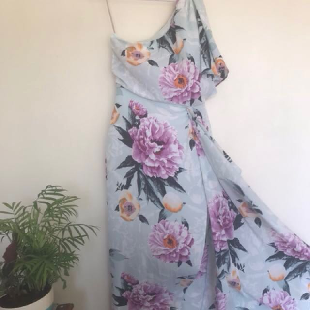 Off the shoulder floral dress size 8