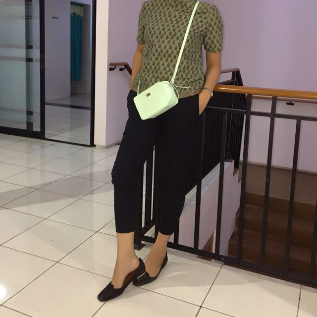 Sling bag by Berska