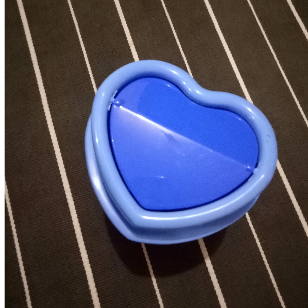 Trash Bin heart shaped (Blue)