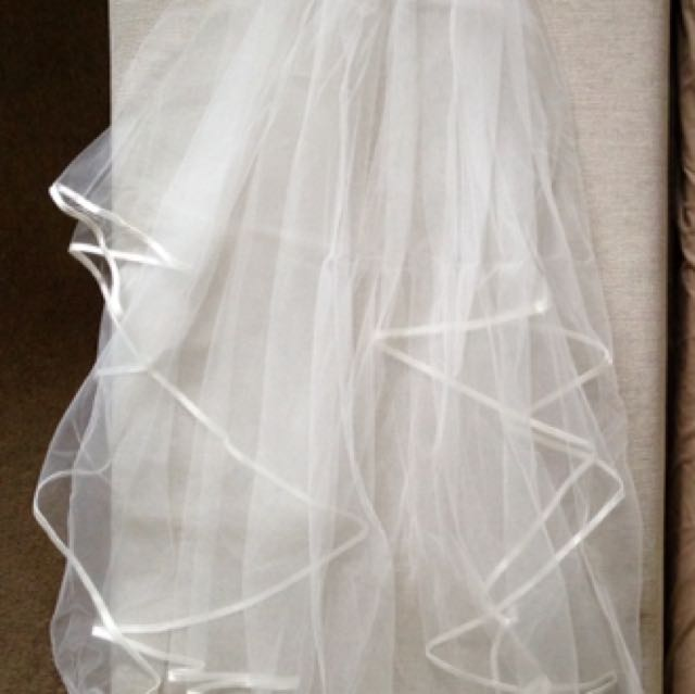Wedding veil 2-tier fingertip length