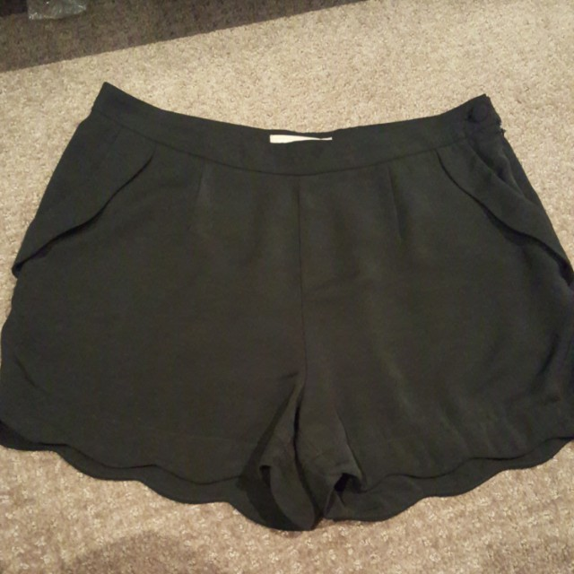 Womens Forecast shorts size 10 S 8