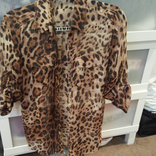 Womens Temt sheer shirt 8 S 10