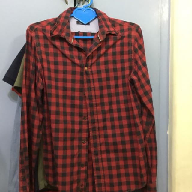 ZARA Flannel Red Black Checkered Size Medium
