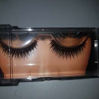 Benefit lashes