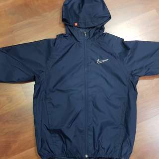 Authentic Nike windbreaker (size S)140cm for boys-price inc postage