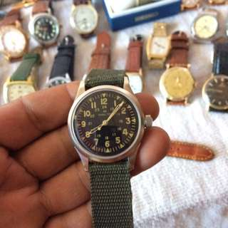 Hamilton.. vintage army wrist watch..us