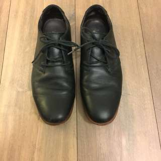 Floyd Black leather dress shoes, size 9.5
