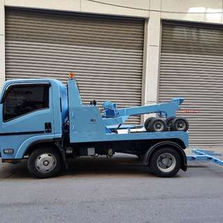 24 hrs Towing Service