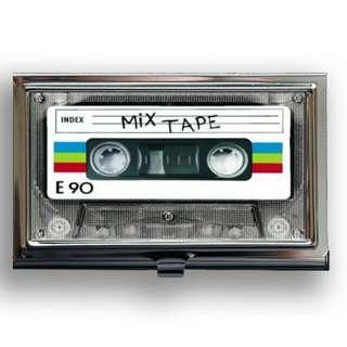 Mencari kaset radio terpakai/terbuang dgn kuantiti yg banyak hanya utk buat personal art je.