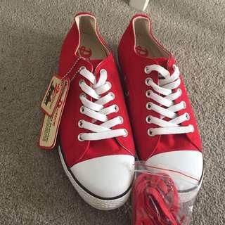 Deuce Generation 'Kellie' Red Sneakers