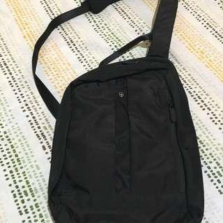 Victorinox body bag/sling (authentic)