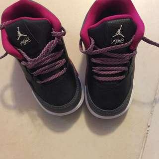 Baby jordan 鞋