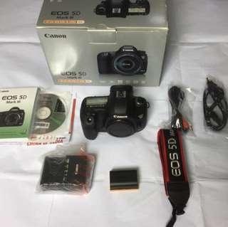 CANON EOS 5D M3 and CANON BG -  E11