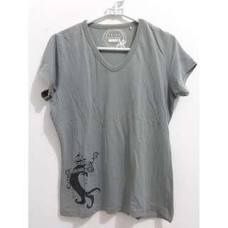 It's A T-shirt Grey Abu-abu