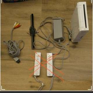Wii 1 套 4.0U 可讀USB 和碟的遊戲, 不包兩隻壞手制。