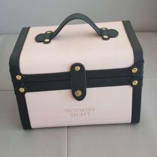 Victorias secret makeup trunk case