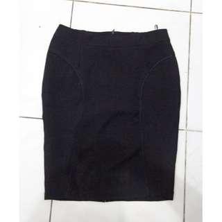 Woman Black Office Skirt / Rok Kerja Wanita Hitam