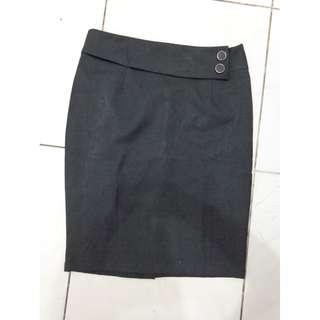 Woman Dark Grey Office Skirt / Rok Kerja Abu-abu