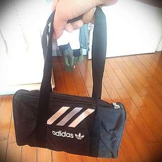 adidas圓筒包(小)