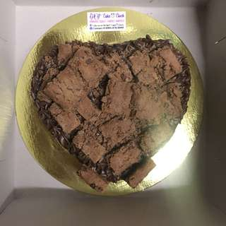 CHOCOLATE COOKIE CAKE (HEART-SHAPED)