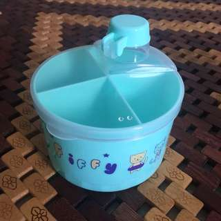 Fiffy Powder Milk Container