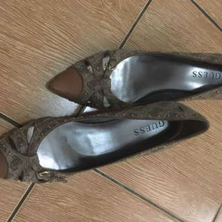 Sepatu guess original