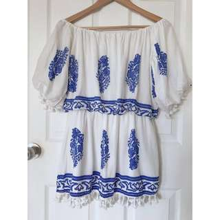 *UNWORN* Off Shoulder white Dress