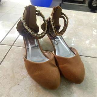 Sepatu Sandal Suede