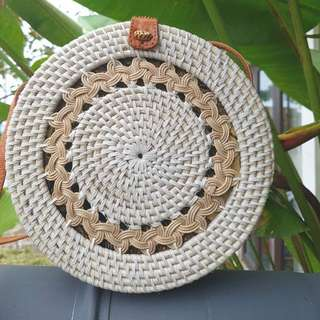 BN white traditional handwoven straw bag