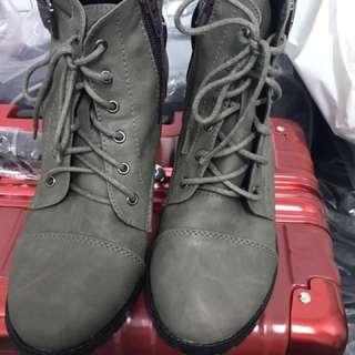 9.5成新軍綠短靴(24.5)含運