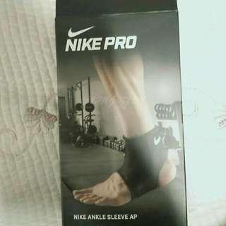 Nike 발목보호대