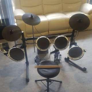 Behringer Electric Drumset