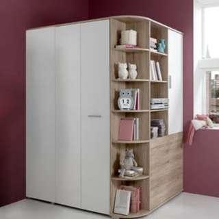 Walk-in corner wardrobe