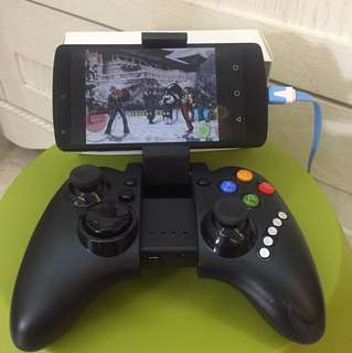 Bluetooth gaming gamepad (mobile phone not included)