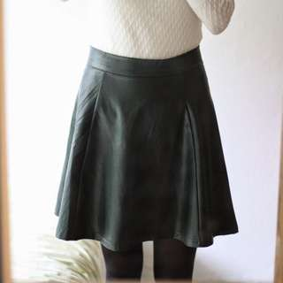 pull and bear leather skirt