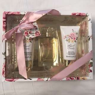 Perfume and Shower Gel Gift Set