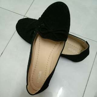 Preloved Black Shoe
