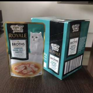 Fancy Feast Royale broths cat food