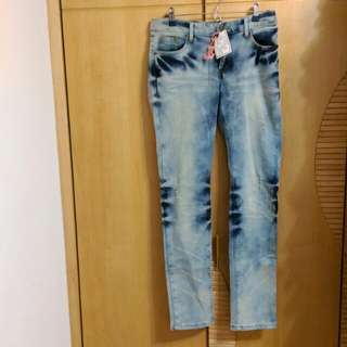 F.F.F.F專櫃小刷破彈性牛仔褲