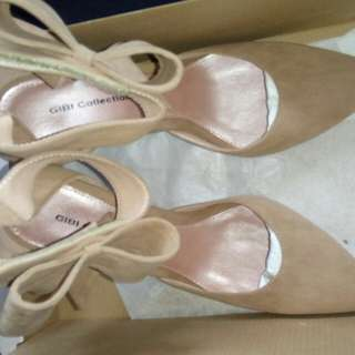 SALE!!! Used once Gibi Collections Stilletos