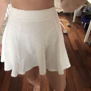 H&M WHITE SKIRT BRAND NEW