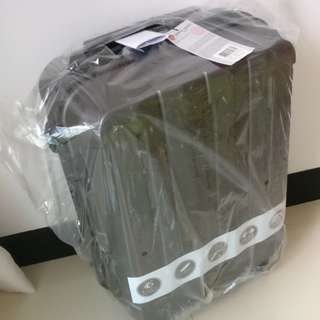 Brand new Pierre Cardin travel luggage
