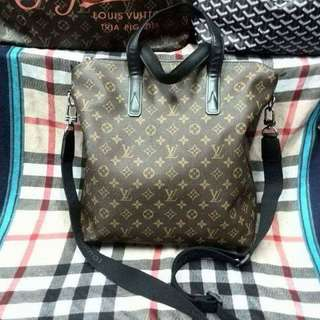 LOUIS VUITTON BRAND NEW TWO WAY..