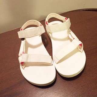 Teva sandals white AU 7.5-8
