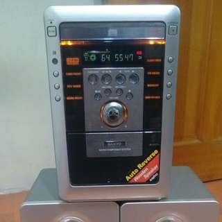 🚚 Sanyo CD stereo