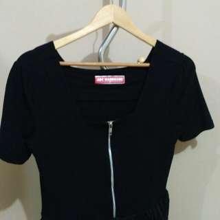 Zipper black dress