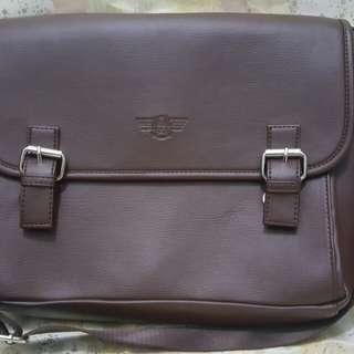 Sling Bag Postman Bag Coklat