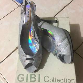 Gibi sandals size 36