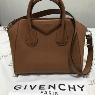 Excellent condition Givenchy Antigona bought May 28, 2017 at Givenchy Greenbelt comes complete with store receipt