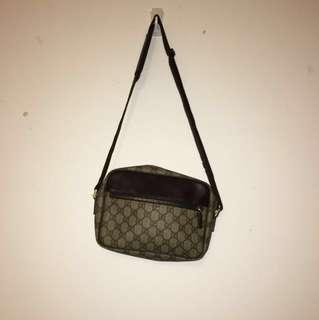 Gucci shoulder bag 25x18cm
